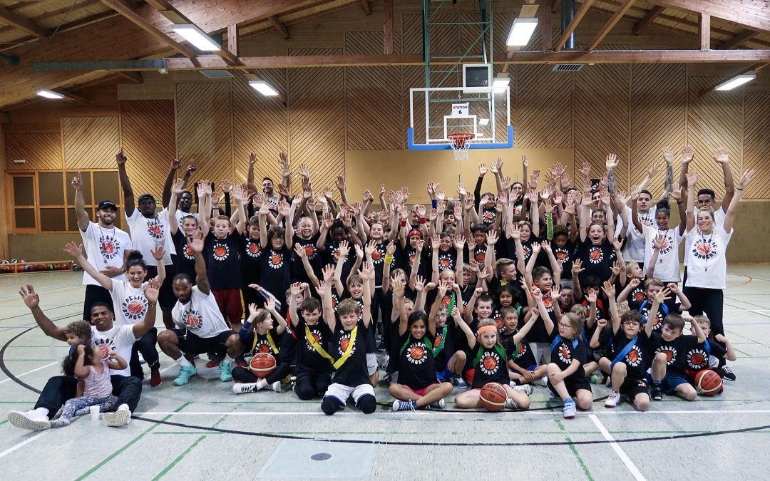 "Basketballcamp ""Breaking Borders"""